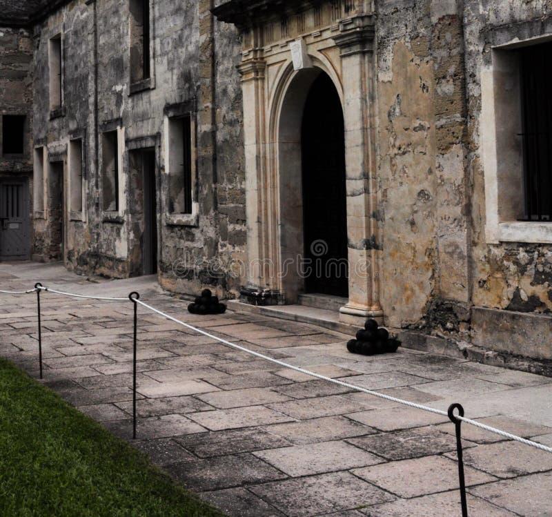 Borggård av Castillo de San Marcos i St Augustine, Florida fotografering för bildbyråer