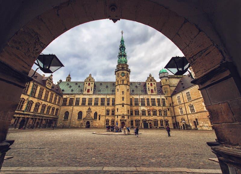 Borggård av den Kronborg slotten, Danmark royaltyfria foton