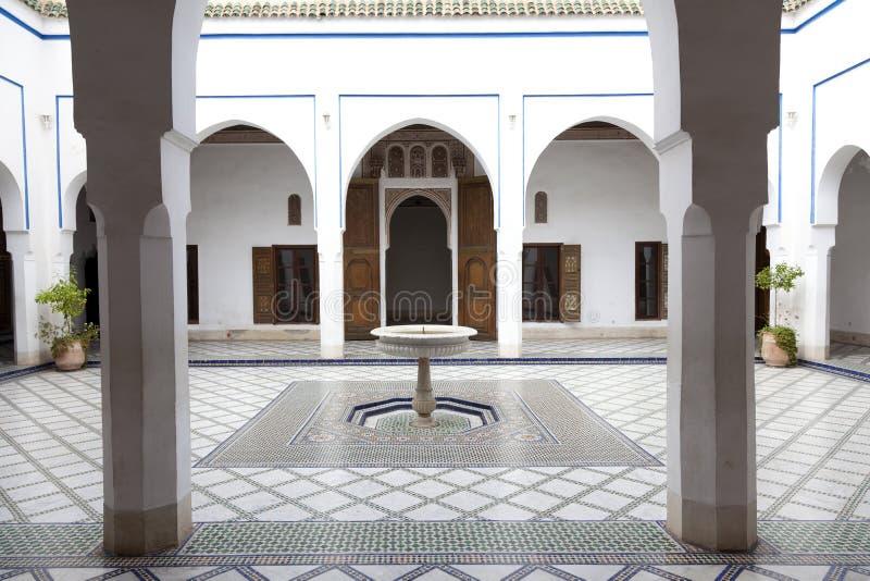 Borggård i Palais de la Bahia Marrakech Marocko royaltyfria bilder