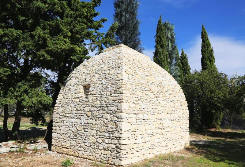 Borie o choza de la seco-piedra en Gordes, Provence, Francia. imagen de archivo libre de regalías