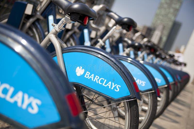 Borisfietsen die op commerciële ariaBoris van Canary Wharf fietsen parkeren die op de commerciële aria van Canary Wharf parkeren royalty-vrije stock fotografie