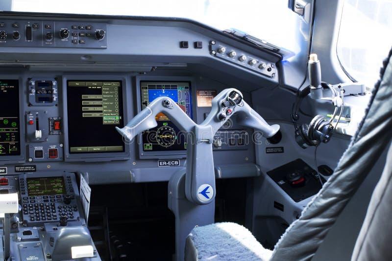 Embraer 190 Klm Cockpit