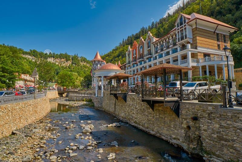 BORJOMI, GEORGIA - 7 AGOSTO 2017: Hotel lussuoso della plaza di Crowne immagine stock libera da diritti