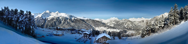 Bormio - inverno panoramico immagini stock libere da diritti