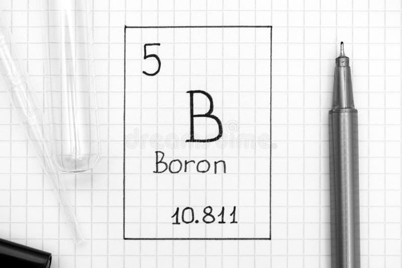 Boro B do elemento químico da escrita com pena preta, tubo de ensaio a imagens de stock