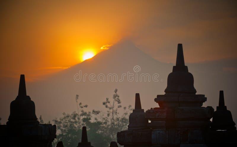 borobudur印度尼西亚Java日出寺庙 免版税库存图片