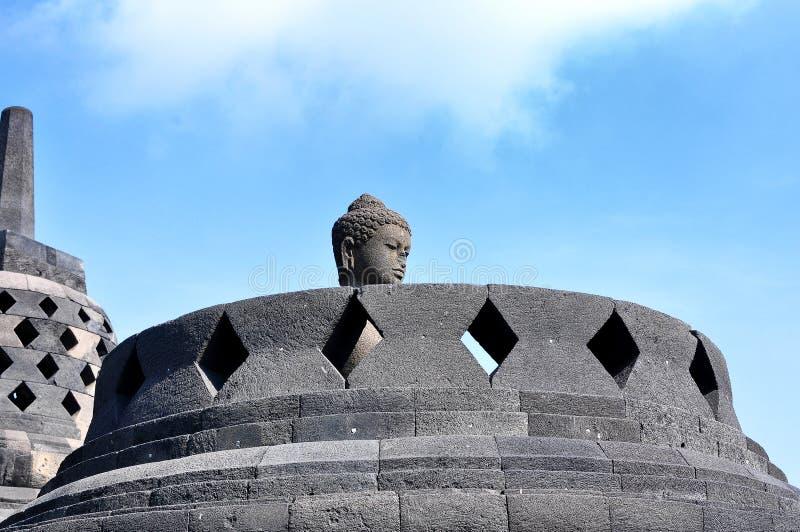 Borobudur świątynia jest turystycznym miejscem przeznaczenia w Azja, Indonezja - fotografia stock