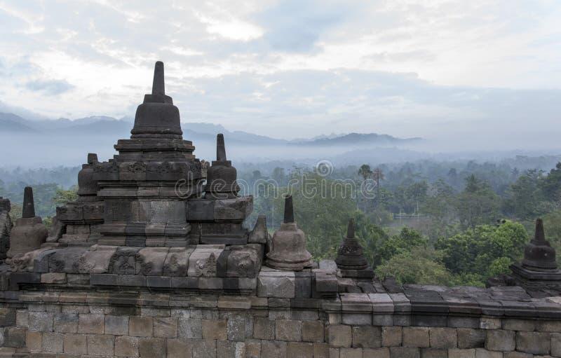 Borobudur au début de la matinée en août images libres de droits