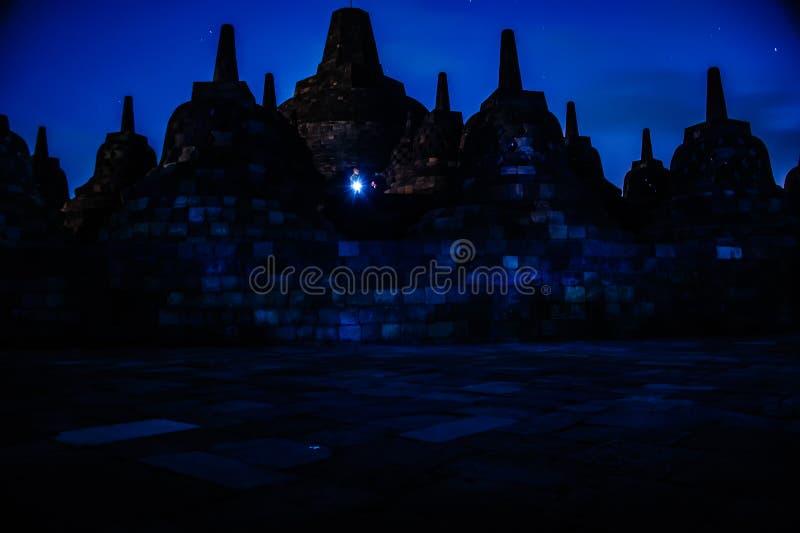 Borobudur nachts, Java, Indonesien stockbilder