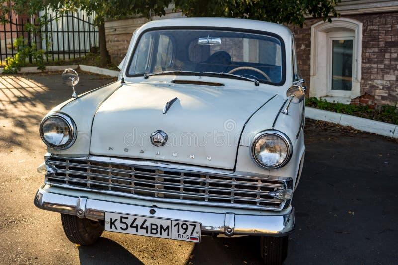 Borovsk, Россия - 18-ое августа 2018: Выставка советского ретро carsExhibition советских ретро автомобилей, ` Moskvich ` стоковое фото