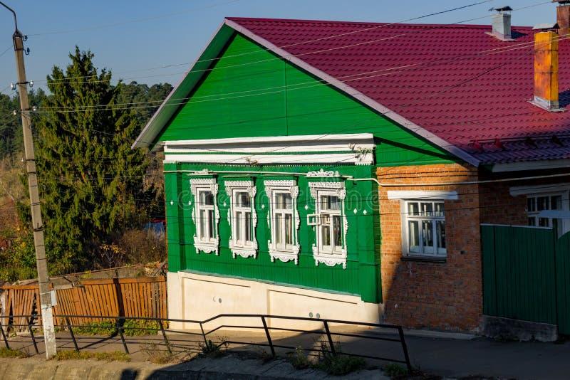 Borovsk, Russie - octobre 2018 : Maison en bois d'architecture traditionnelle images libres de droits