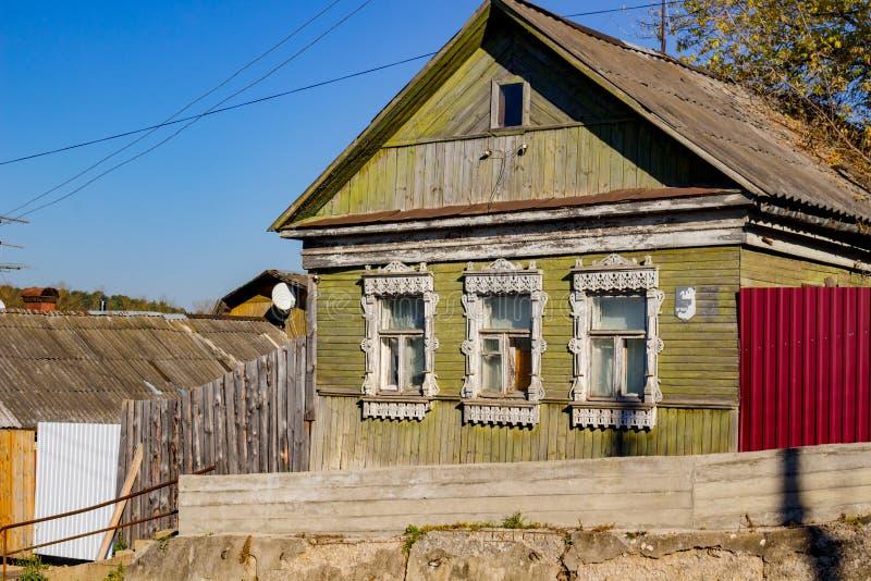 Borovsk, Russie - octobre 2018 : Maison en bois d'architecture traditionnelle image stock