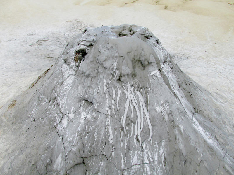 Borowinowy wulkanu krater fotografia royalty free