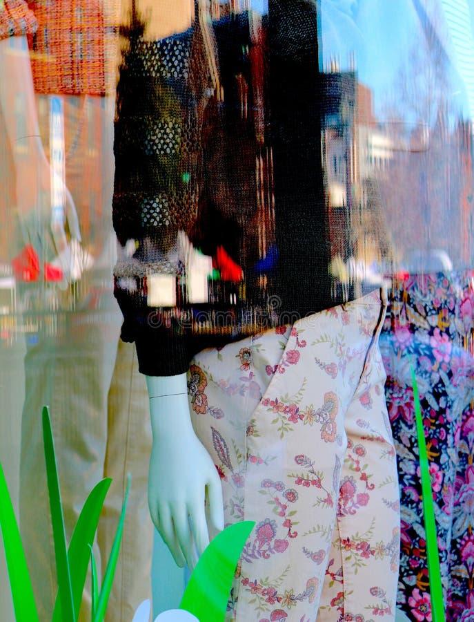 Borrão da janela, das cores, e das reflexões da loja imagens de stock