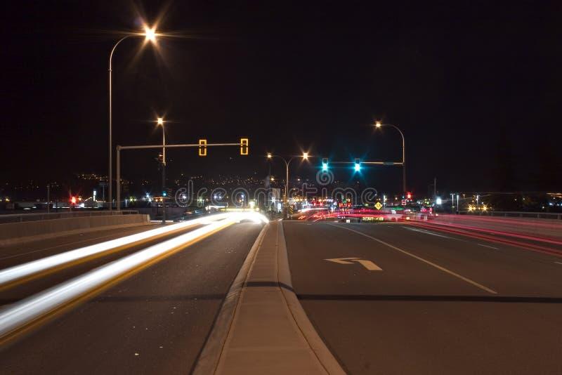 Download Borrão do tráfego imagem de stock. Imagem de luzes, exposição - 101227