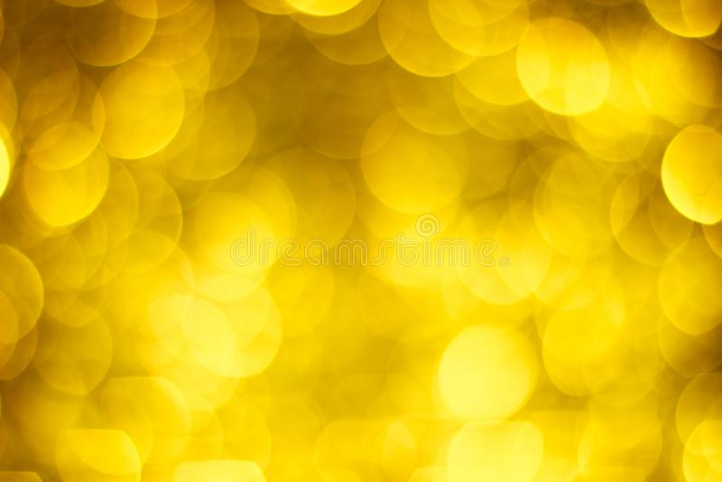Borrão dourado do bokeh grande Luzes de brilho do ouro Círculos maciços do bokeh ilustração stock