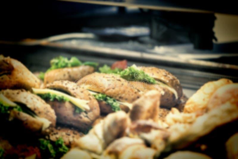 Borrão, fast food, hamburguer, troca de rua, alimento da rua foto de stock royalty free