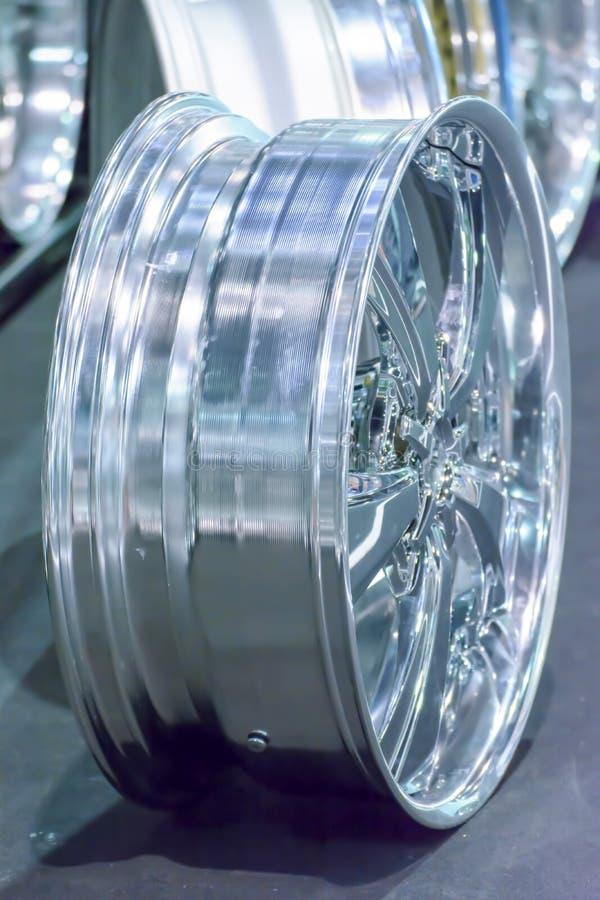 Borre a roda da roda ou do mag da liga do magnésio ou as rodas máximas do carro fotografia de stock