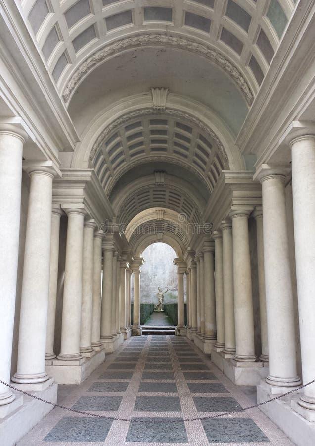 Borromini-Perspektive in Palazzo Spada lizenzfreie stockbilder