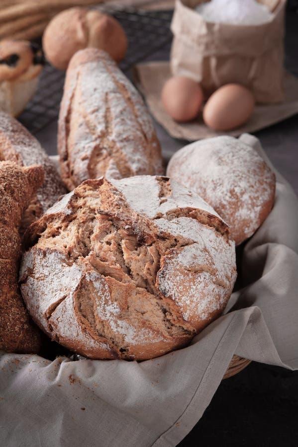 Borsa casalinga della farina delle uova del pane immagini stock