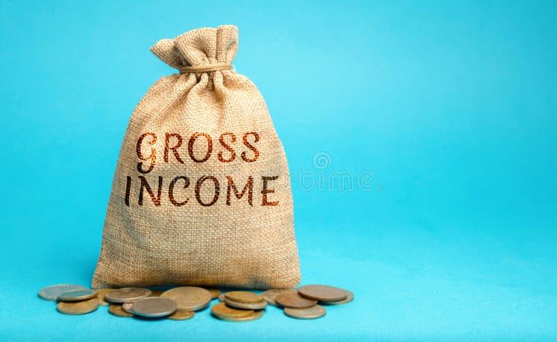 Borsa dei soldi con il reddito lordo di parola Profitti, stipendi, stipendi, pagamenti di interessi, affitti prima delle tasse Co immagini stock