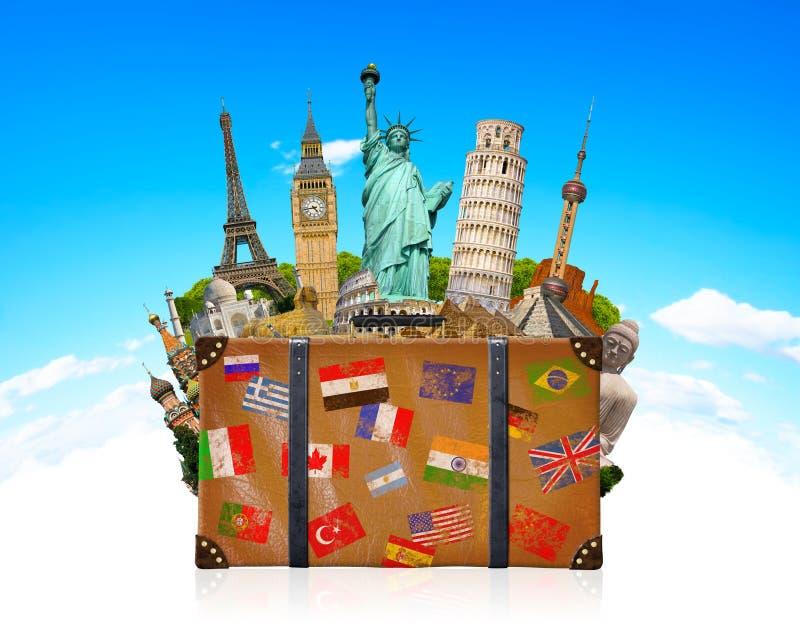Borsa di viaggio in pieno del monumento famoso del mondo royalty illustrazione gratis