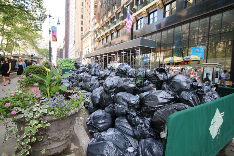 Borse di rifiuti in New York fotografia stock