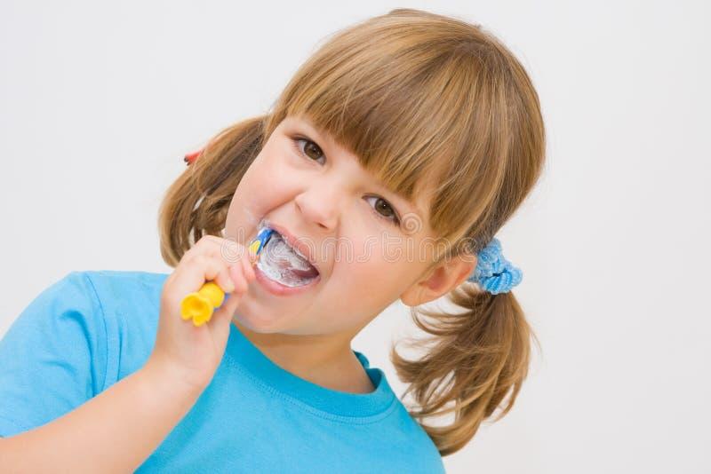 borsta min tänder royaltyfri fotografi
