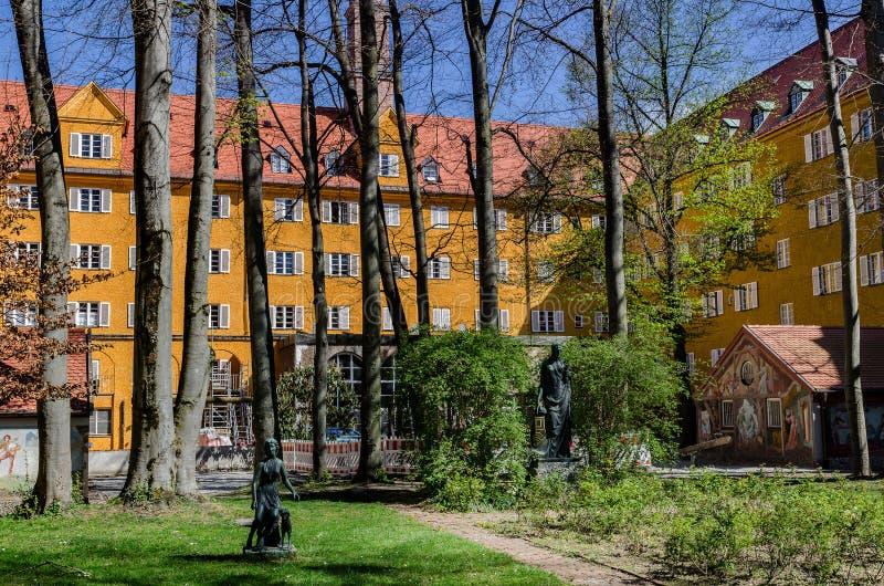 Borstaydistrict, M?nchen, Duitsland een verbazend gebied van de stad, de huizen en de binnenplaatsen royalty-vrije stock afbeeldingen