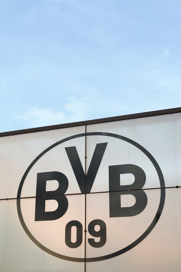 Borussia Dortmund Logo Auf Einer Wand Redaktionelles Stockfoto Bild Von Wand Dortmund 110311488