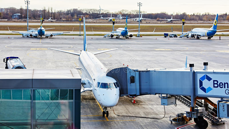 Boryspil, Ουκρανία Βοήθεια εδάφους αεροσκαφών στοκ εικόνες