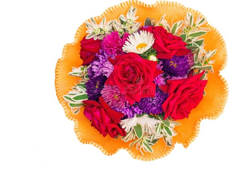 Bos van bloemen: rozen, asters, camomiles op een witte achtergrond stock foto's