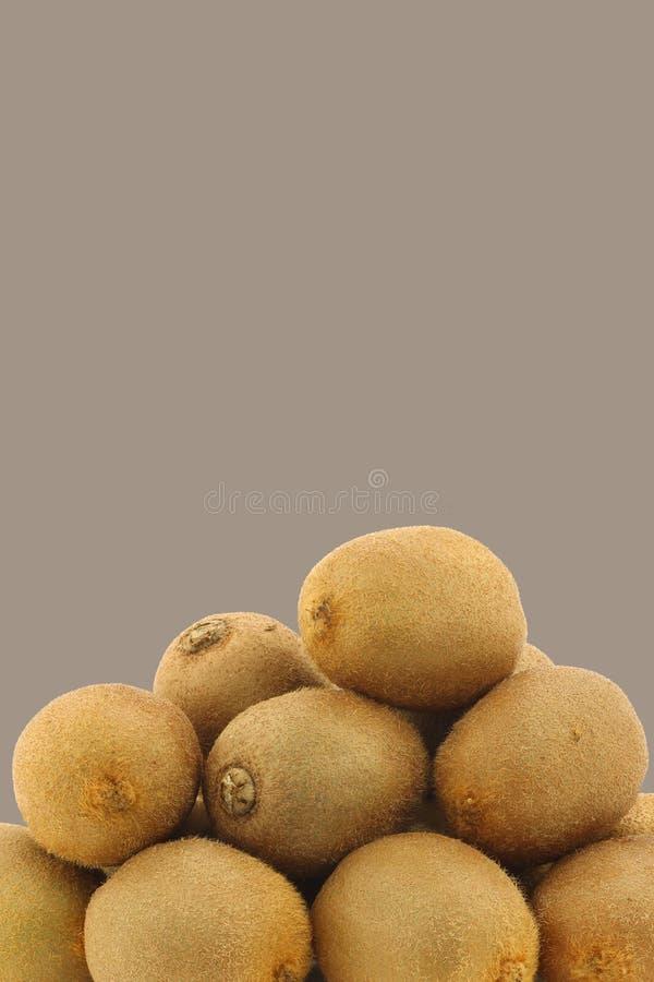 Bos van vers kiwifruit stock foto's