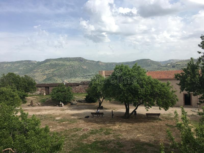 Bosa, άποψη της Σαρδηνίας, Ιταλία από την κορυφή στοκ φωτογραφίες με δικαίωμα ελεύθερης χρήσης