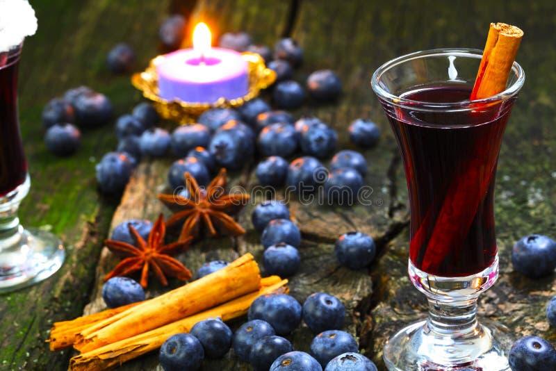 Bosbes overwogen wijn stock afbeeldingen