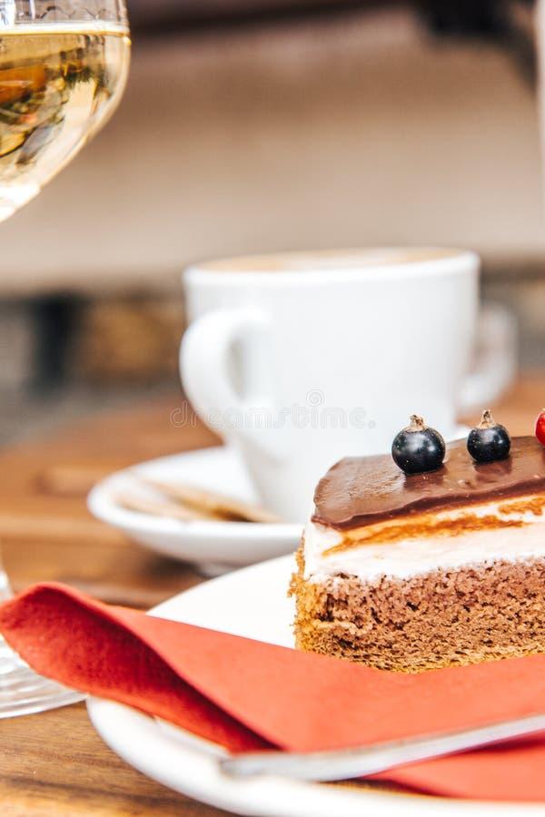 Bosbessenkaastaart en Koffie stock afbeeldingen