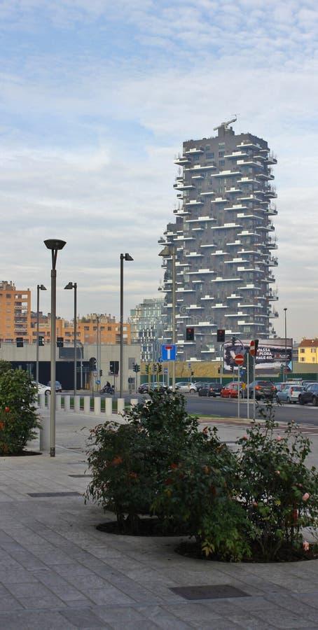 Bosco verticale, een nieuwe skyskraper in Porta Genua royalty-vrije stock foto