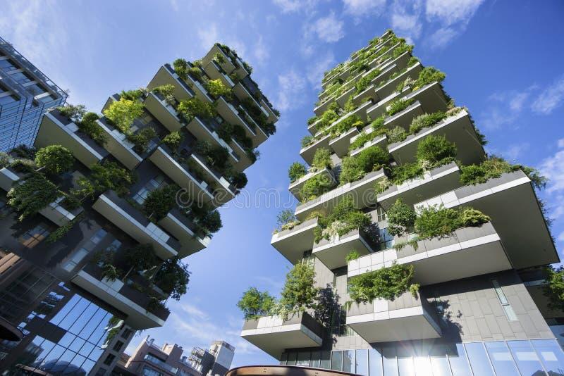 Bosco Verticale Vertical Forest em Milão imagens de stock royalty free