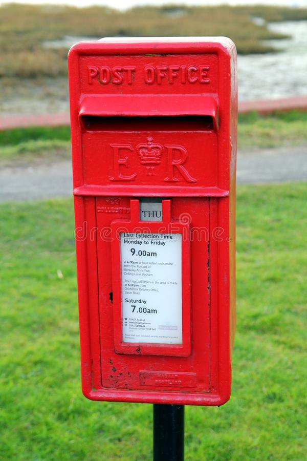 Bosham,苏克塞斯,英国- 2017年2月15日:传统红色英国岗位 库存图片