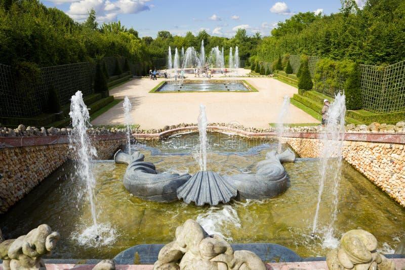 Bosje van de Drie Fonteinen in Versailles stock foto's