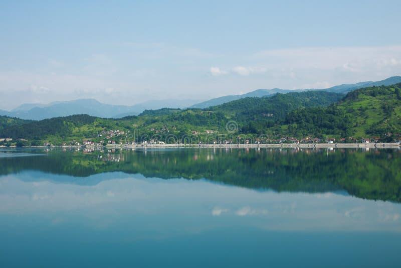 Bosnia y Herzegovina, lago Jablanica imagenes de archivo