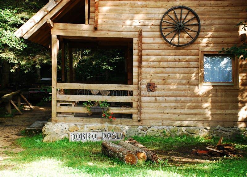 Bosnier Forest Hut lizenzfreie stockfotos