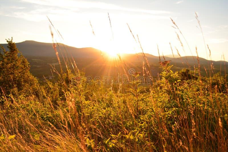 Bosnischer Sonnenuntergang stockfotos