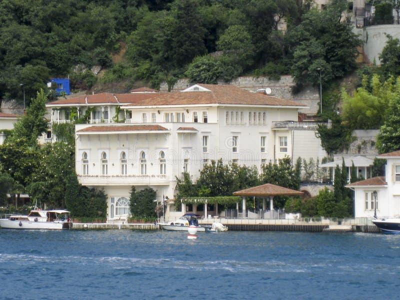 Bosphorus伊斯坦布尔历史大厦 免版税库存照片