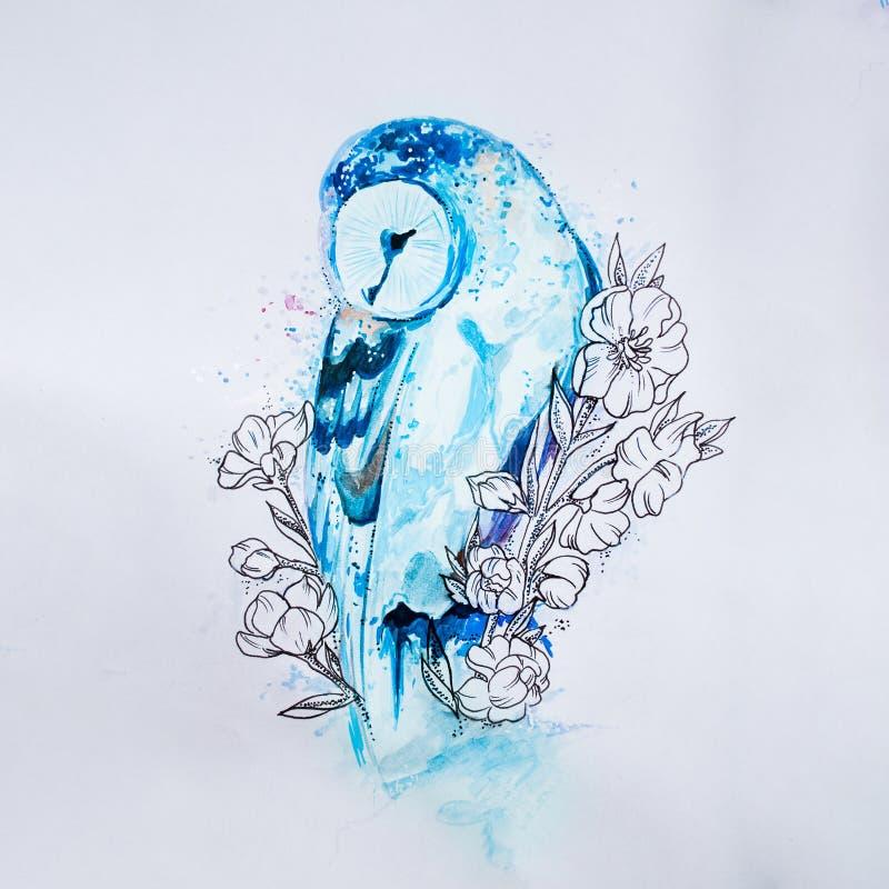 Bosqueje el búho azul en colores en el fondo blanco imagen de archivo libre de regalías