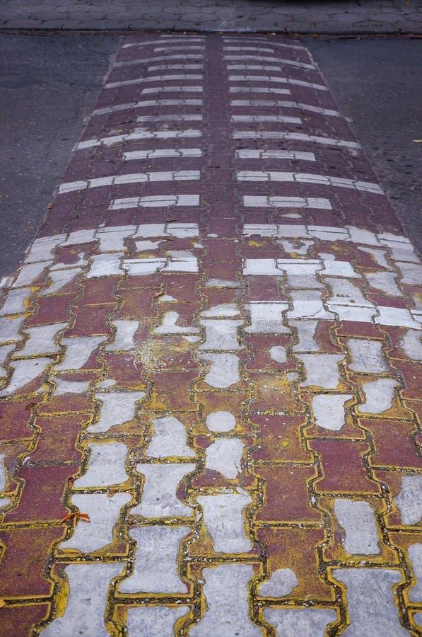 Download Bosse de rue photo stock. Image du bump, blocs, vitesse - 45350450