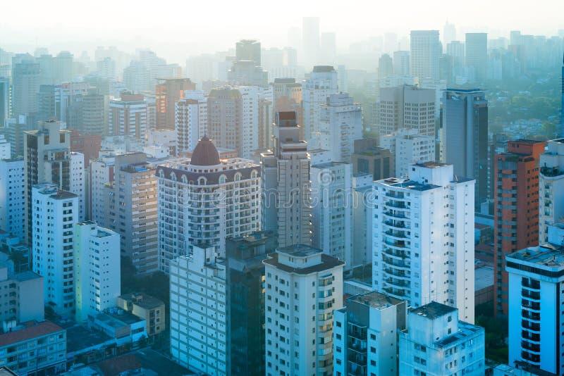 Bostads- byggnader för panoramautsikt på Sao Paulo royaltyfri fotografi