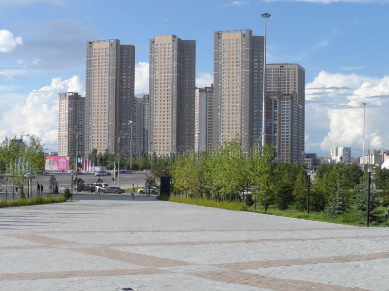 Bostads- byggnader i Astana royaltyfri fotografi