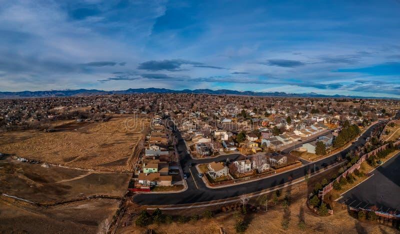 Bostads- grannskap i norr Denver Colorado arkivbild