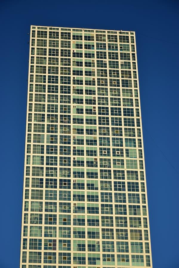 Bostads- torn i Astana/Kasakhstan arkivbild